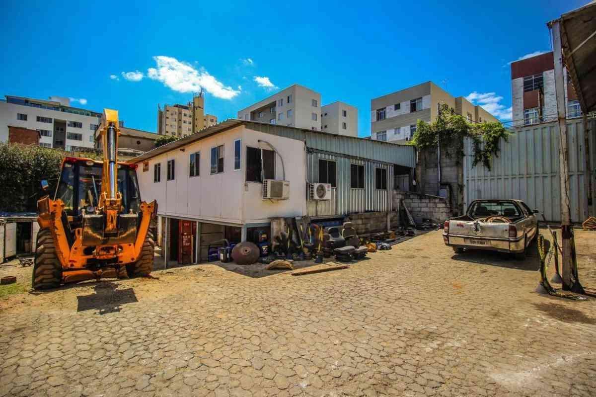 Galpão, Nova Granada