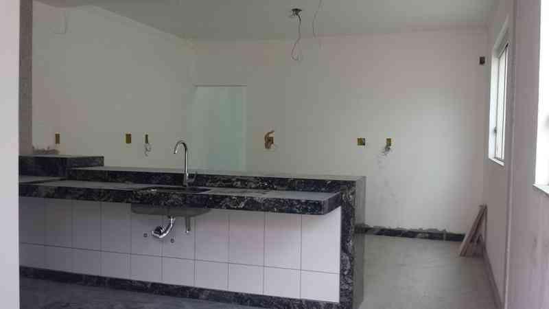 Casa, Serrano, 3 Quartos, 4 Vagas, 1 Suíte
